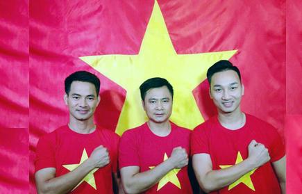 Xuân Bắc, Tự Long, Hoài Anh gửi quà lạ tặng U23 Việt Nam