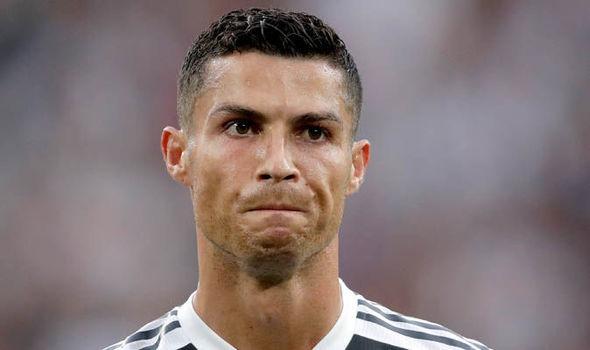 Pep 'giữ ghế' cho Mourinho, Ronaldo cay cú