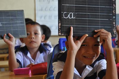 """Tiếng Việt Công nghệ Giáo dục: Vì sao 3 chữ c/k/q đều đọc là """"cờ""""?"""