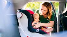 Ghế ô tô dành cho trẻ nhỏ có thể bẩn hơn bồn cầu