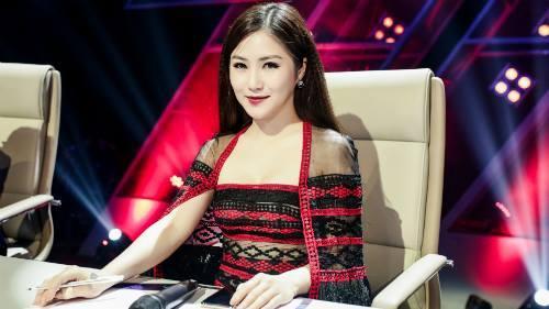 Hương Tràm hát hit của Chi Pu