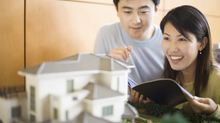 Không có bố mẹ giàu, người trẻ khó mua được nhà?