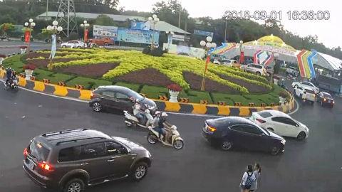 Cổng chào hội chợ Festival biển Vũng Tàu đổ sập