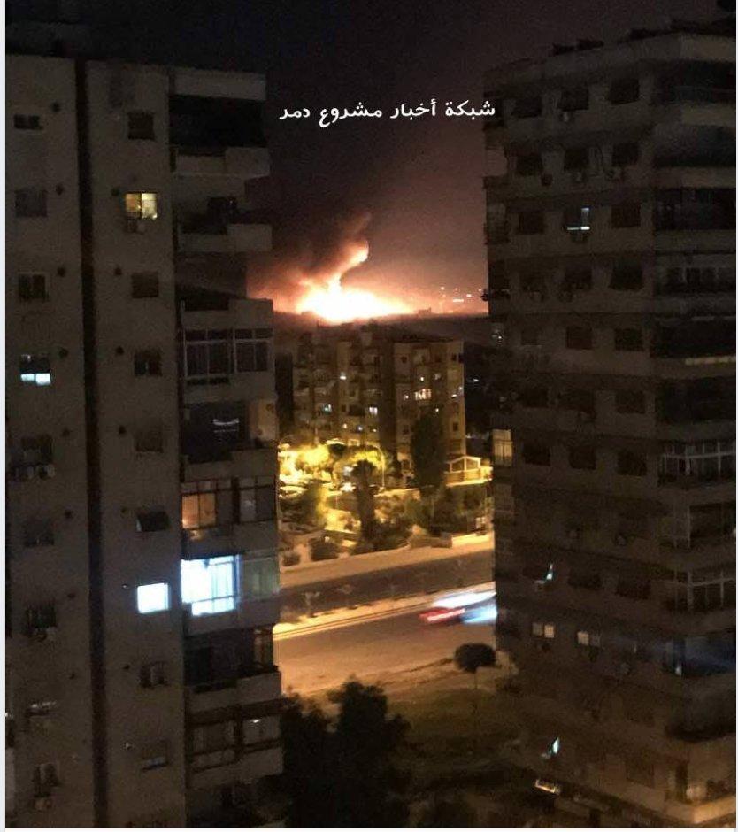Syria bị không kích, nhiều tiếng nổ lớn