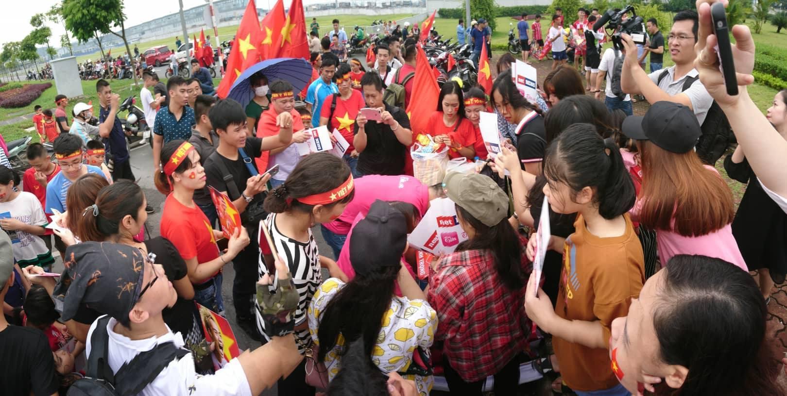 cổ vũ u23 Việt nam,U23 Việt Nam,đón đoàn U23 Việt Nam,Bùi Tiền Dũng,Park Hang Seo,Xuân Trường,Quâng Hải