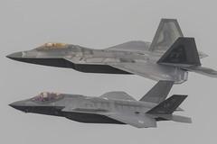 Mỹ chế siêu tiêm kích lai F-22 và F-35 để làm gì?
