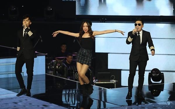 Học trò Noo Phước Thịnh - Trần Ngọc Ánh đăng quang The Voice 2018