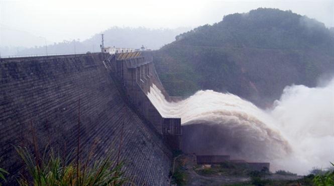 Thủy điện Hòa Bình, Sơn La đồng loạt xả lũ chiều nay