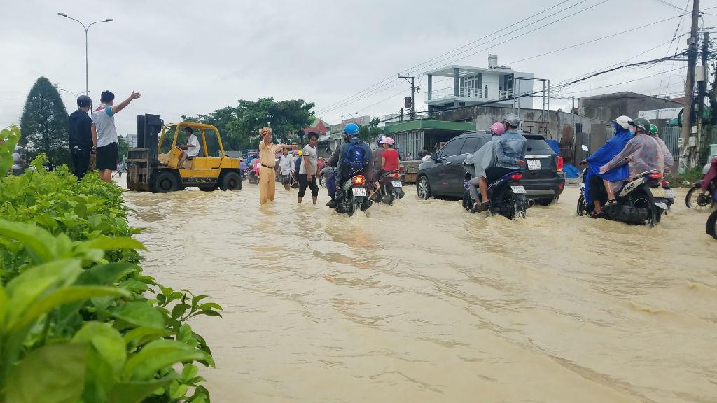 ngập lụt,kẹt xe,sài gòn