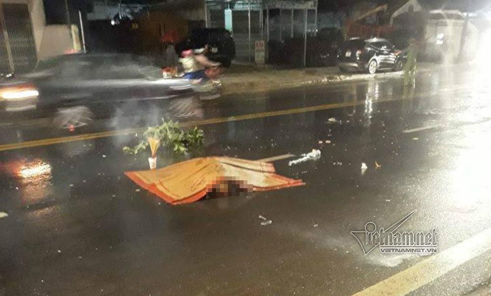 Bị hất tung sau cú tông xe Thành Bưởi, 2 người chết tại chỗ