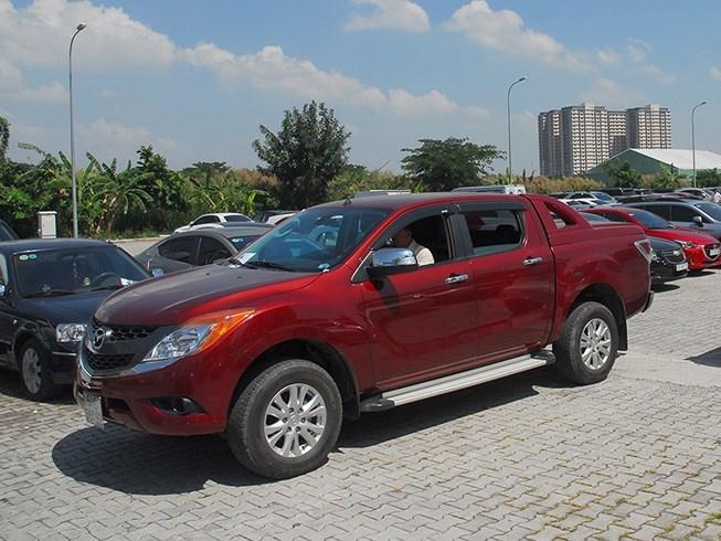 Ô tô bán tải tăng giá khủng mạnh vì thuế, phí