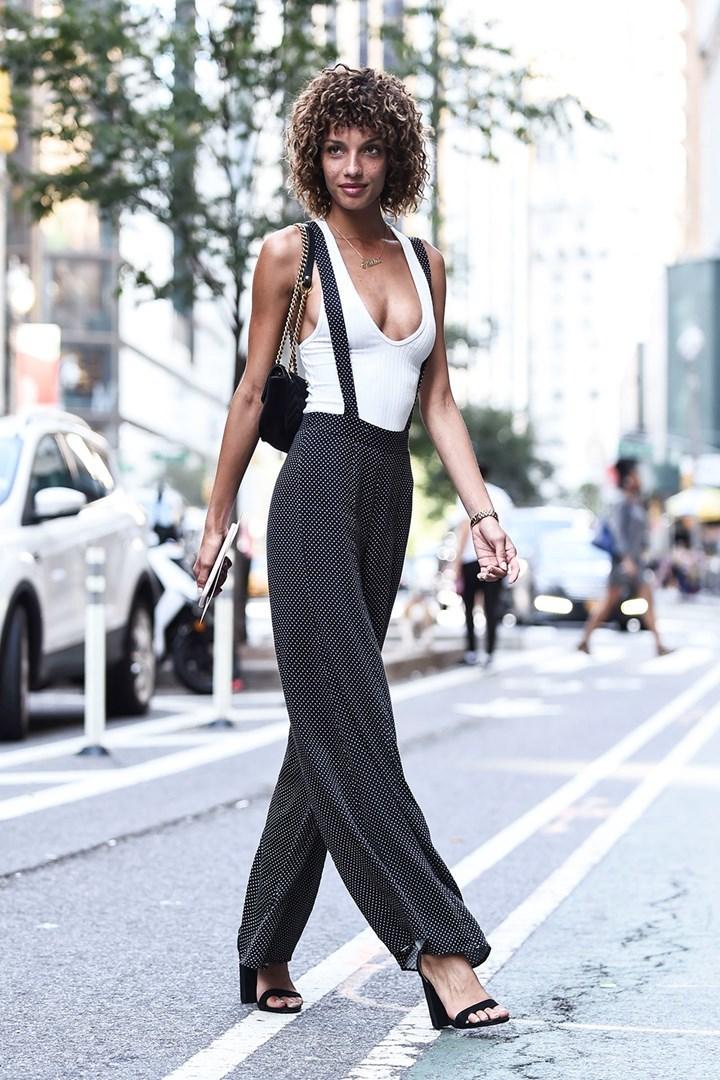 Dàn chân dài diện mốt không nội y đi casting show Victoria's Secret