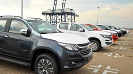Phí trước bạ tăng 4-5 lần: Ô tô bán tải tăng giá mạnh