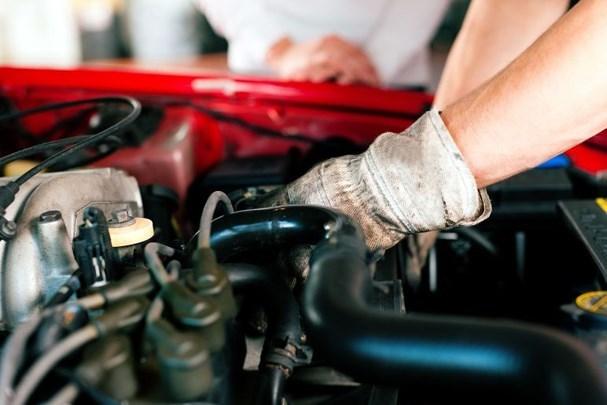 Tác hại của việc ô tô tăng, giảm ga đột ngột