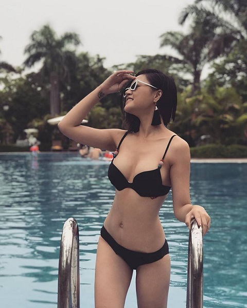 Loạt ảnh nóng bỏng của 'gái ngành' bị ghét nhất phim Quỳnh búp bê