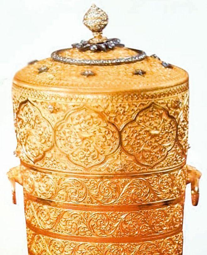 hộp cơm,vàng,trang sức,bảo tàng,đánh cắp,vụ trộm