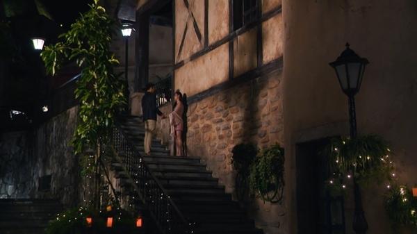 Quốc Trung an ủi cô gái bị cả nhà chung 'Anh chàng độc thân' tẩy chay