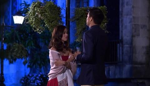 Anh chàng độc thân: Quốc Trung an ủi cô gái bị cả nhà chung The Bachelor tẩy chay