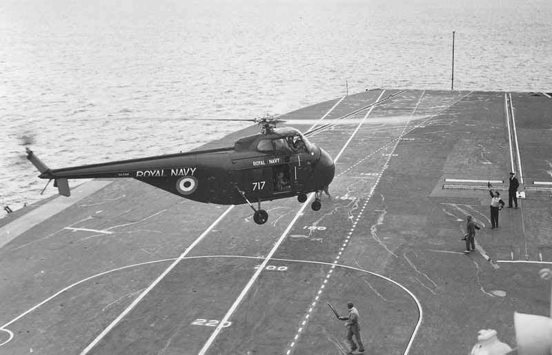 Tàu chiến,tàu tấn công đổ bộ,Hải quân Anh,HMS ALbion