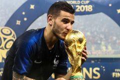 MU lấy sao tuyển Pháp, Arsenal hỏi mua Pepe