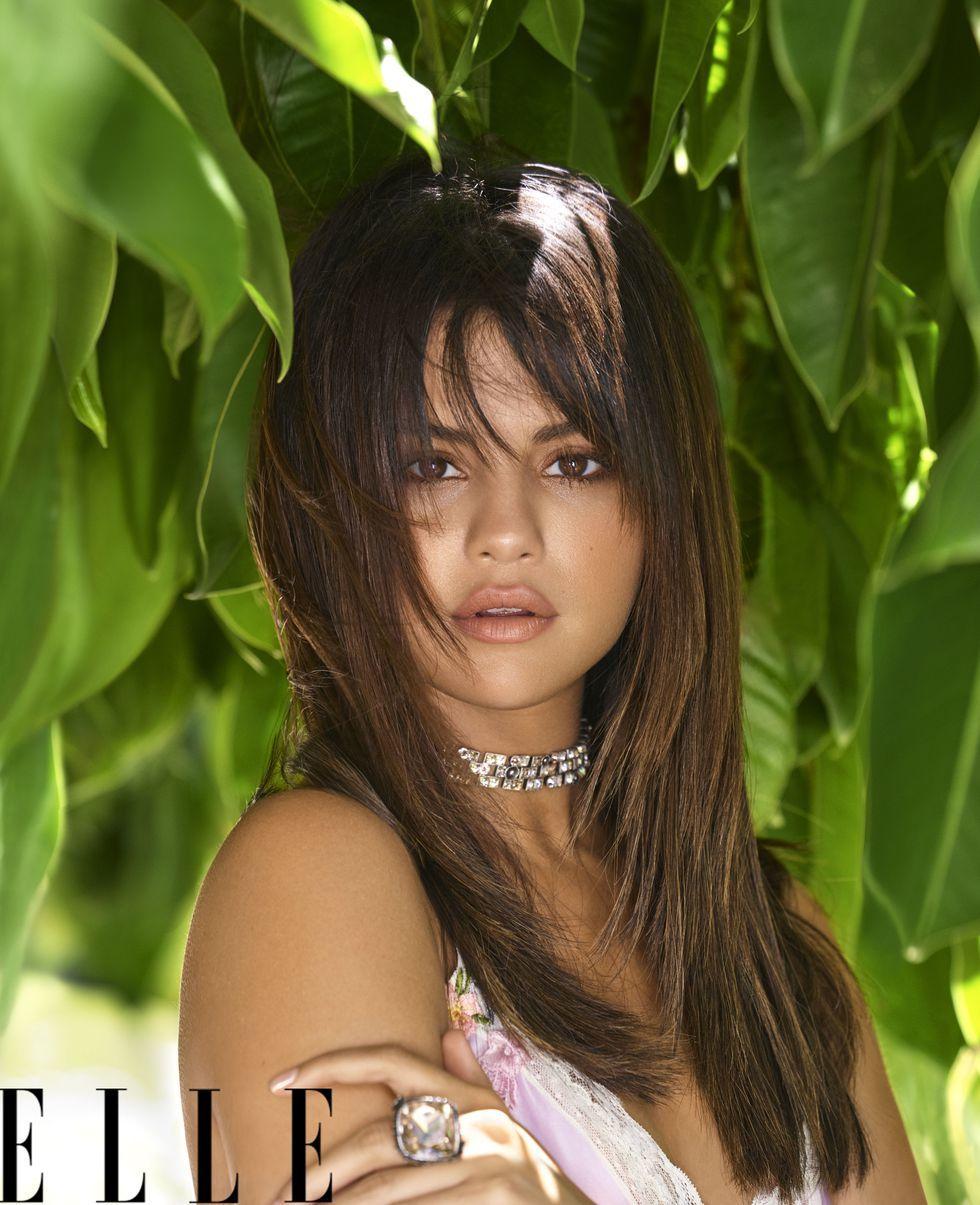 Selena Gomez nóng bỏng, an nhiên sau khi Justin Bieber đính hôn