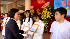 Sacombank tặng hơn 3.000 suất học bổng