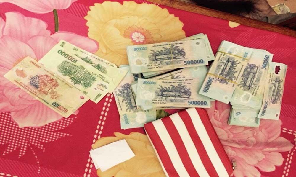 Cảnh sát đánh sập đường dây thầu đề tiền tỷ ở Sài Gòn