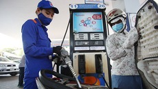 Dân mua xăng phải chịu thêm 1.000 đồng/lít: Nỗi lo của vị thứ trưởng