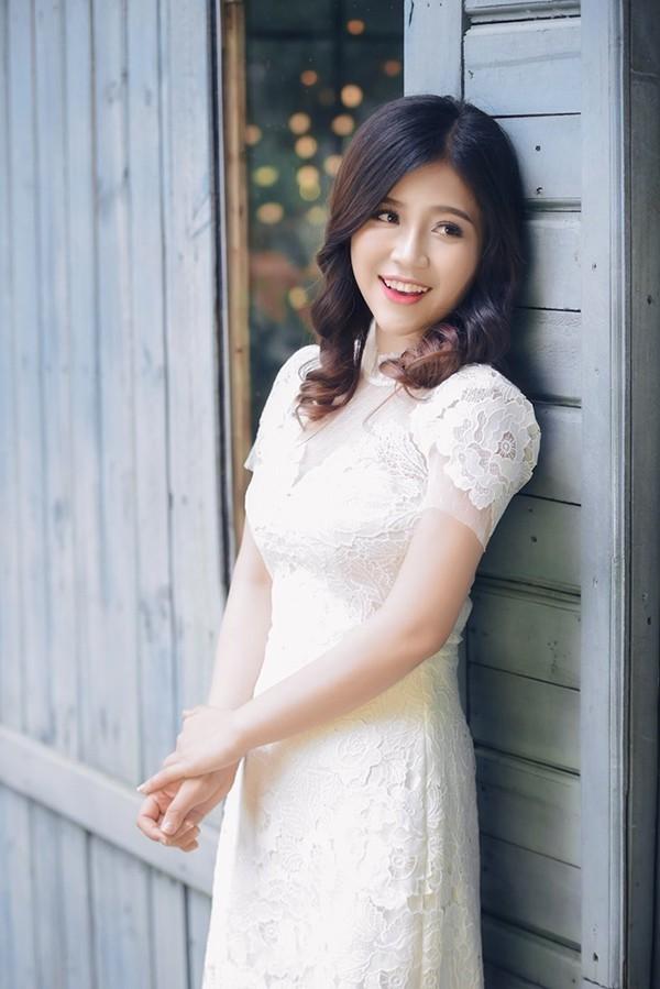 Bị đồn trong đường dây bán dâm, MC Cao Vy khẳng định: 'Nếu chịu bán dâm tôi đã giàu lâu rồi'