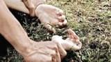 Cô gái Ninh Bình bị cướp hiếp bên đường vành đai