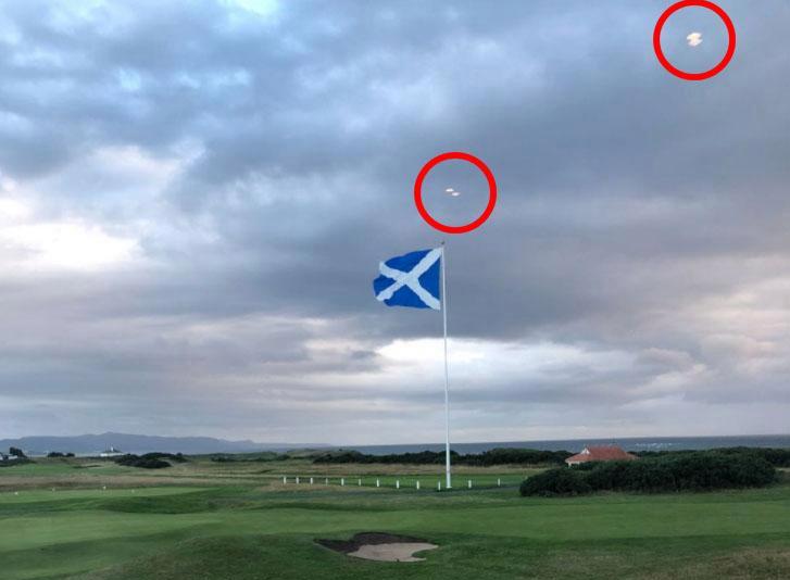 Đĩa bay 'bao vây' sân golf của ông Trump?