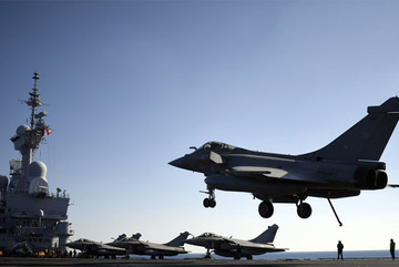 Pháp tuyên bố sẵn sàng dội bom Syria