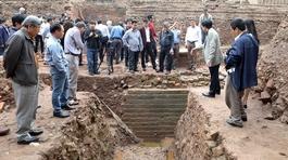 Các nhà khoa học chia sẻ kết quả nghiên cứu Hoàng thành Thăng Long