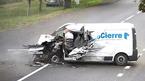 Pha thoát chết hãi hùng của tài xế xe chở hàng đâm xe tải