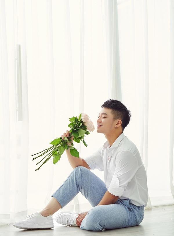 Ca sĩ Hồng Dương úp mở chuyện cưới xin