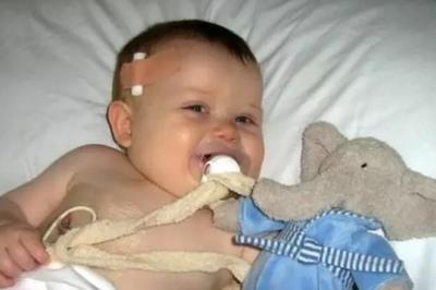 Mắc ung thư, bác sĩ nói sống được 10 phút, giờ đã 10 năm