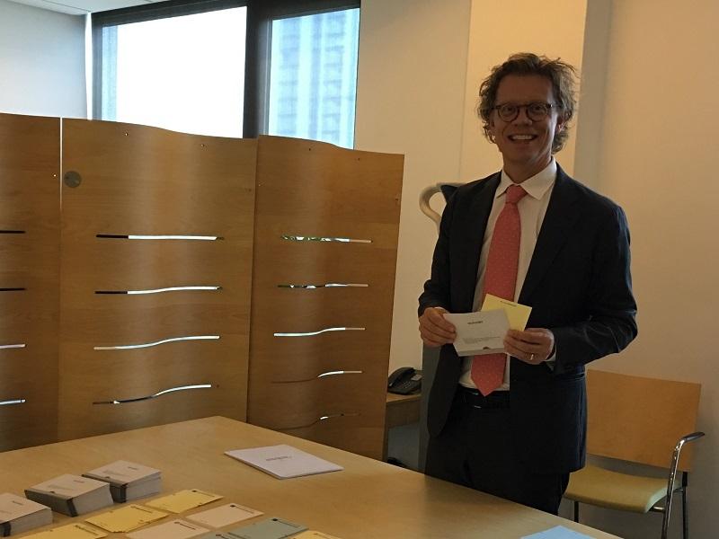 Đại sứ Thụy Điển,Pereric Högberg,bầu cử,đảng phái,quốc hội,sứ quán Thụy Điển