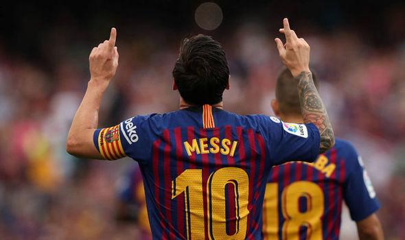MU 'triệu hồi' Memphis Depay, Barca trói chân trụ cột