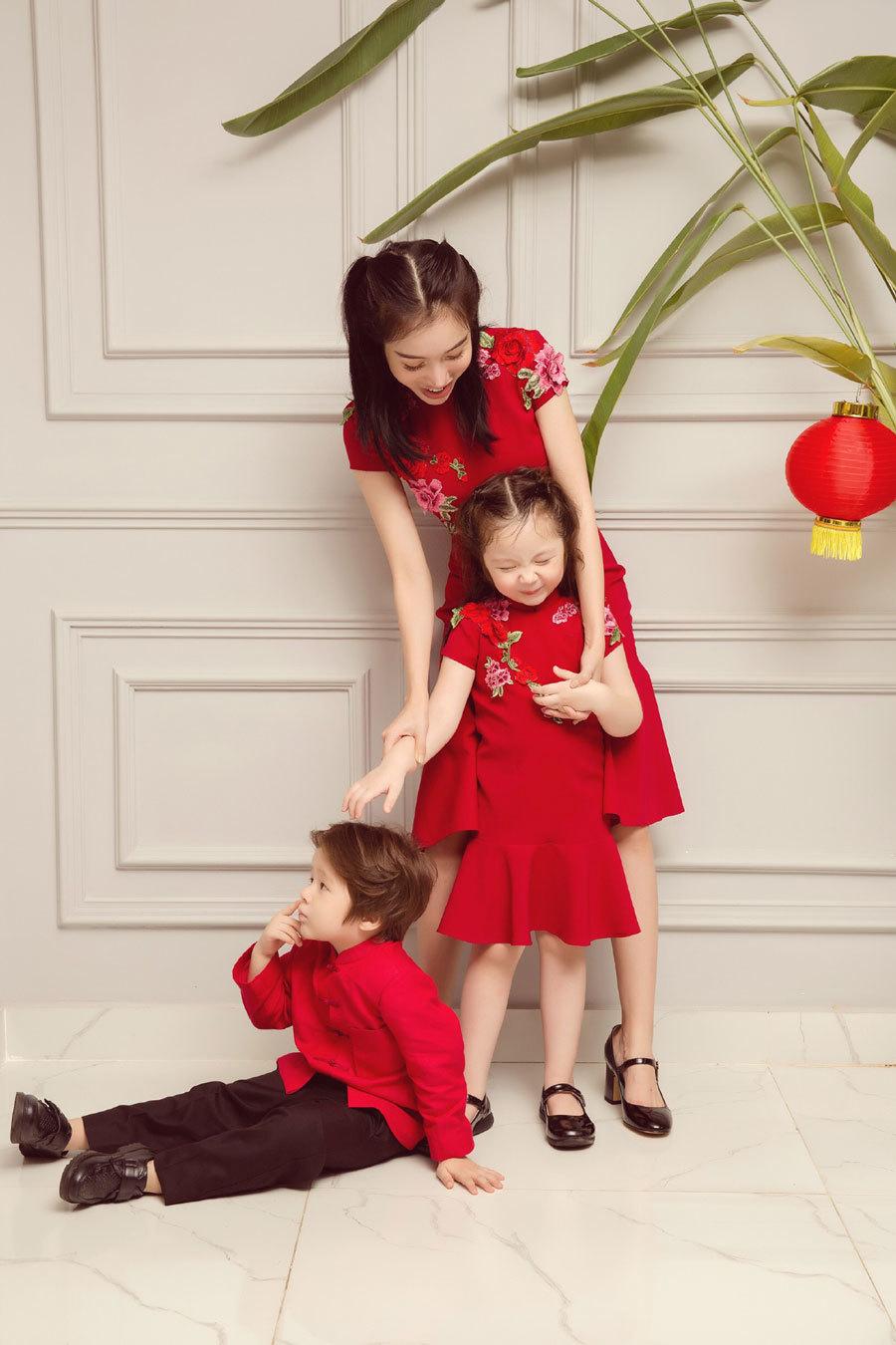 Elly Trần khoe 2 con lai đẹp như thiên thần