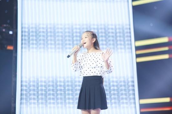 Cô bé dân ca 14 tuổi khoe giọng 'ngọt như mía lùi' ở The Voice Kids