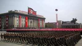 Triều Tiên duyệt binh rầm rộ mừng quốc khánh