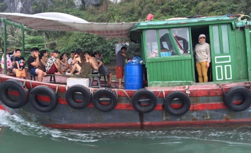 vịnh Hạ Long,du khách