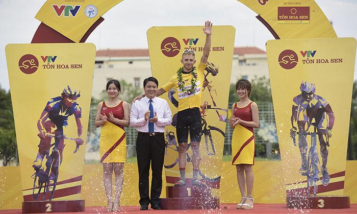Giải xe đạp VTV Cup Tôn Hoa Sen 2018: David Van Eerd giữ vững áo Vàng