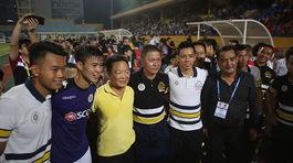 Hà Nội FC vô địch sớm, vì sao bầu Hiển... không thưởng?