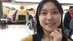 Nữ sinh Việt tham dự trại di sản thế giới tại Indonesia