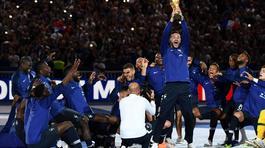 Pháp ăn mừng chức vô địch World Cup rực rỡ ở Stade de France