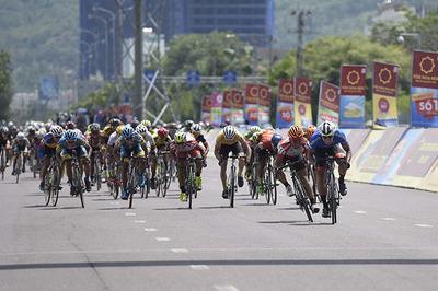 Giải xe đạp VTV Cup Tôn Hoa Sen 2018: Bốn cua-rơ bị tước quyền thi đấu
