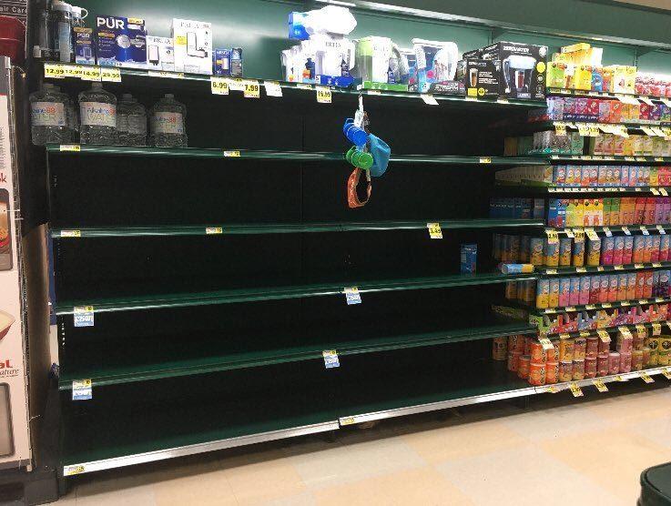 Nước Mỹ cuống cuồng chuẩn bị đối mặt bão lốc