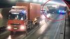 Xe đầu kéo đâm rầm xe tải, hầm Hải Vân kẹt cứng