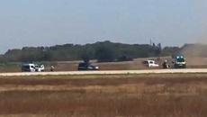 Xem cảnh sát truy đuổi xe 'điên' trên đường băng